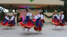 FORGET A HURRY: New Open-Air Stage in Karsava hosts crossborder dancers and singers from Shlisselburg, Russia